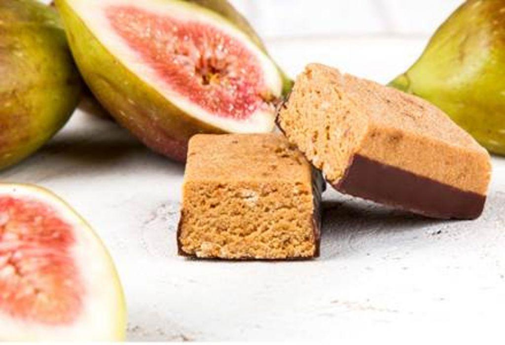 Keto dieta – Proteinové tyčinky cereální s fíky – KetoDiet.cz